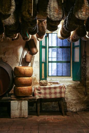 Brandon-de-Kock_Italy-2015_La-Buca-Cellar